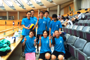 バレーボールのチームTシャツ